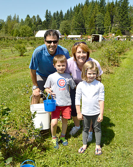 family-fun-and-festivals-bryant-blueberry
